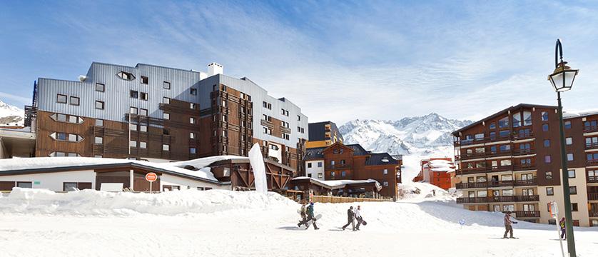 france_three-valleys-ski-area_val-thorens_hotel_club_les_arolles_view.jpg